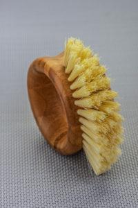 Brush for caring for fiberglass planters