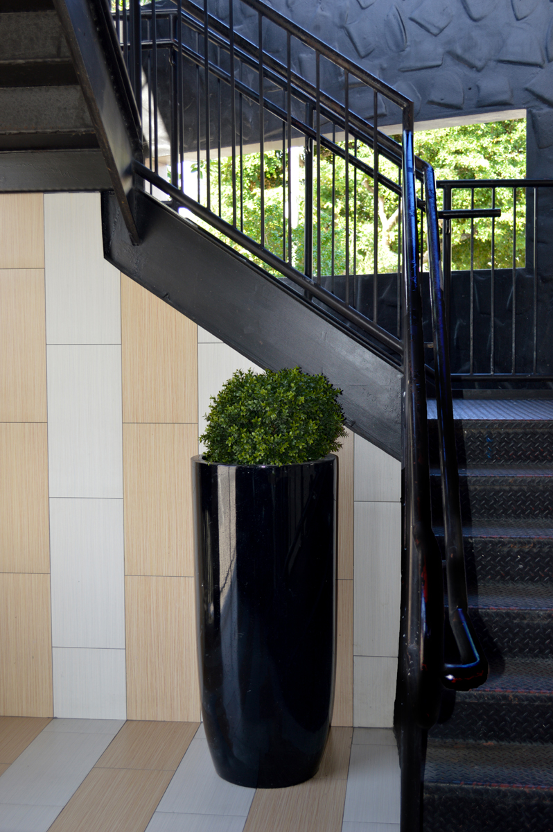 choosing the right color planters