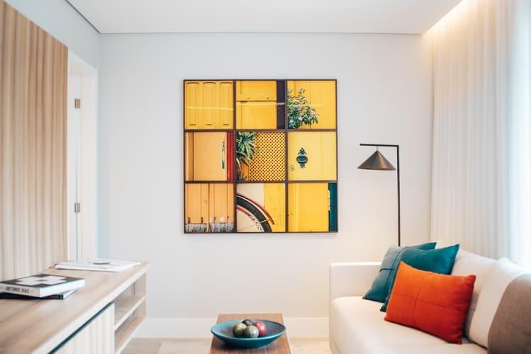 Art work in minimalist interior design